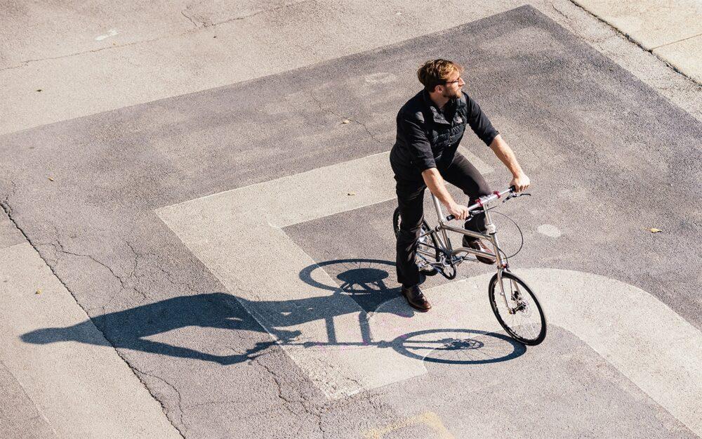 Vello Bike+ Titanium Lifestyle 6
